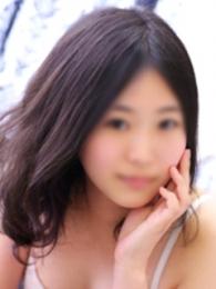 真央(23歳)
